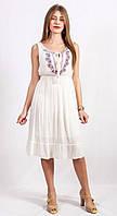 Белое платье из легкой летней ткани