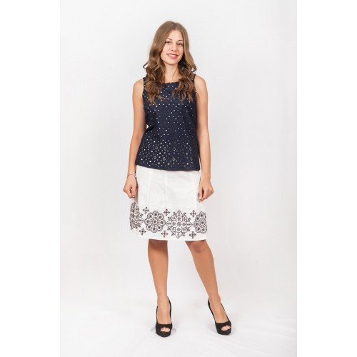 Белая льняная юбка с вышивкой