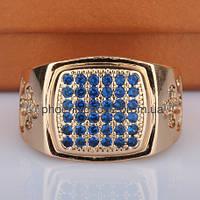 Стильное кольцо - печатка с фианитами, покрытое золотом (128321)