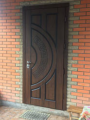 Дверь уличная с винорит покрытием  высота 2350 мм и ширина 1000 мм Модерн цена 8500 грн установлена ноябрь 2016г.