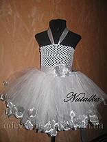 Юбка-платье ту-ту из фатина с лепестками и повязкой, белое, фото 3