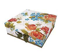 Большая квадратная подарочная коробка ручной работы белого цвета с принтом из больших цветов