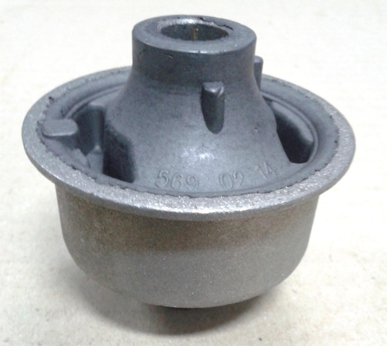 Сайлентблок переднього важеля задній MK Geely / Джілі Yamato, 1014001607