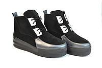 Ботинки  женские на шнурках черные