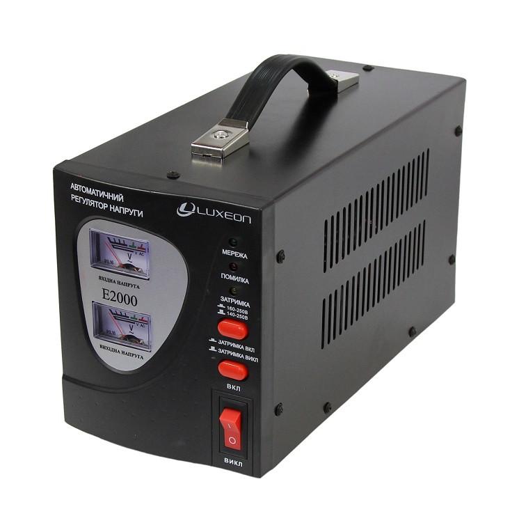 Стабилизатор напряжения релейный Luxeon E2000 2000ВА