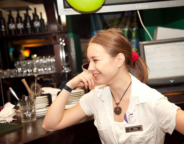 пейджер - часы для официанта на руке - Ирландский паб в Киеве