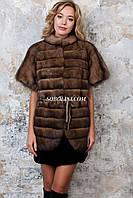 Жилет из меха баргузинского соболя, поперечная раскладка меха с цельным рукавом и замшевым поясом, длина 70 см, фото 1
