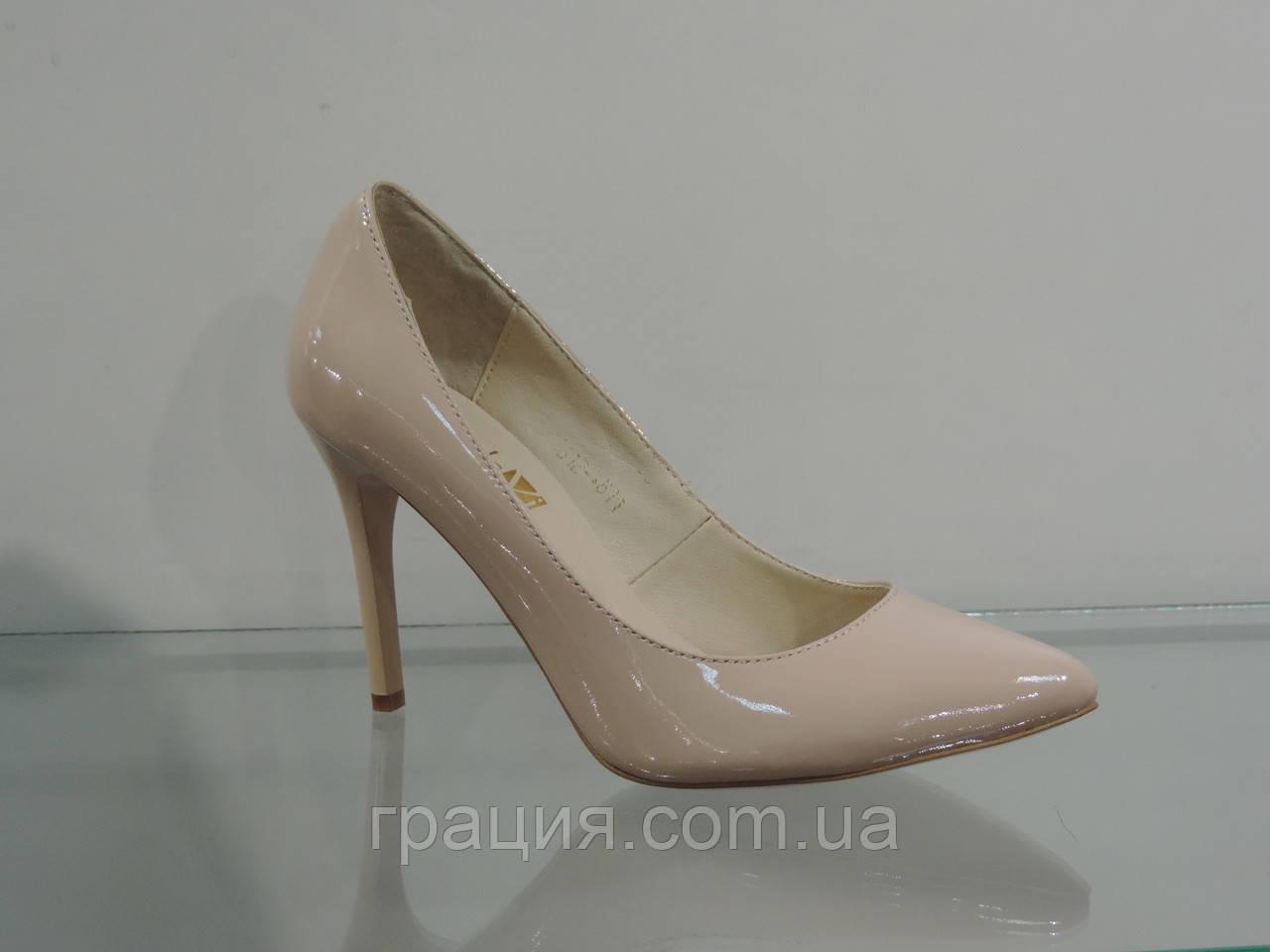 Туфли женские лаковые натуральные на шпильке бежевые