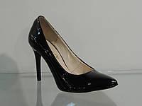 Туфли женские лаковые натуральные на шпильке черные