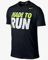 Трикотажная стильная футболка c принтом