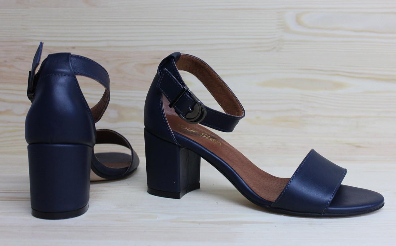 Жіночі босоніжки з натуральної шкіри темно-синього кольору, можливий відшиваючи у інших кольорах