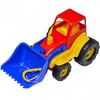 Трактор с ковшом