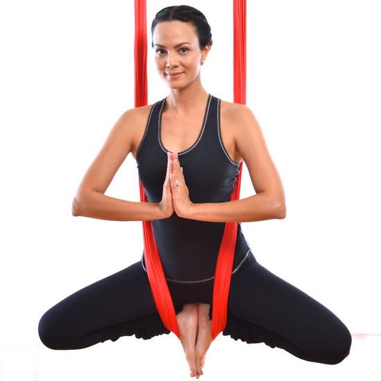 Обучение инструкторов йоги в гамаках