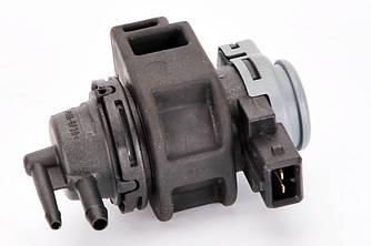 Клапан управления турбины на Renault Trafic II 2.0dCi 2011->2014 — Pierburg (Германия) - 7.02256.15.0