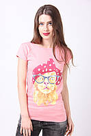 Стильная коралловая футболка с модным котом