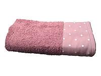 Стильное банное полотенце с отделкой горошек