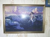 Картина вышитая крестиком в рамке Вышедшая из волн (ручная работа)