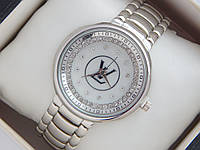 Женские кварцевые наручные часы Louis Vuitton стального цвета на металлическом браслете