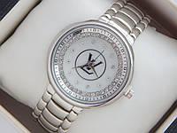 Женские кварцевые наручные часы Louis Vuitton стального цвета на металлическом браслете, фото 1