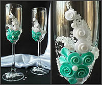 Свадебные бокалы  в мятном цвете