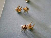 Пирамидка 4*4 мм золото (1000 штук)