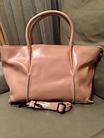 Стильная женская сумка материал натуральная кожа, размер 25 см * 36 см. Цвет пудра