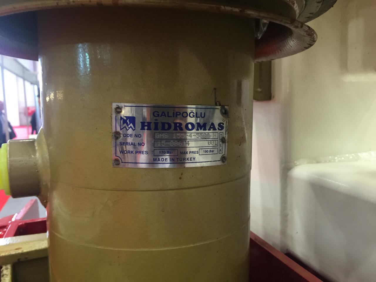 Гидроцилиндр 3-х штоковый Hidromas (длина 1 штока 1440 мм)тип B
