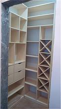 Меблі в гардеробну кімнату