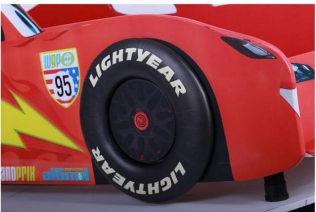 Кровать Тачки 900Х2000 Дизайн Дисней Тачки Молния Маккуин гонки (фото 2)