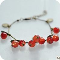 Красивый браслет для женщин Черешня