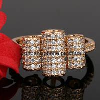 Интересное кольцо с фианитом, покрытое золотом (119090)