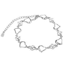 Серебряные браслеты с камнями, жемчугом, подвесками и надписями
