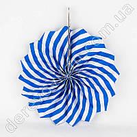 Подвесной веер, сине-белый, 30 см - бумажный декор-розетка