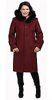 Пальто с поясом и меховым капюшоном бордовое
