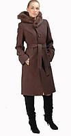 Пальто с поясом и меховым капюшоном коричневое