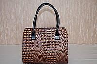 Стильная  лаковая женская сумка