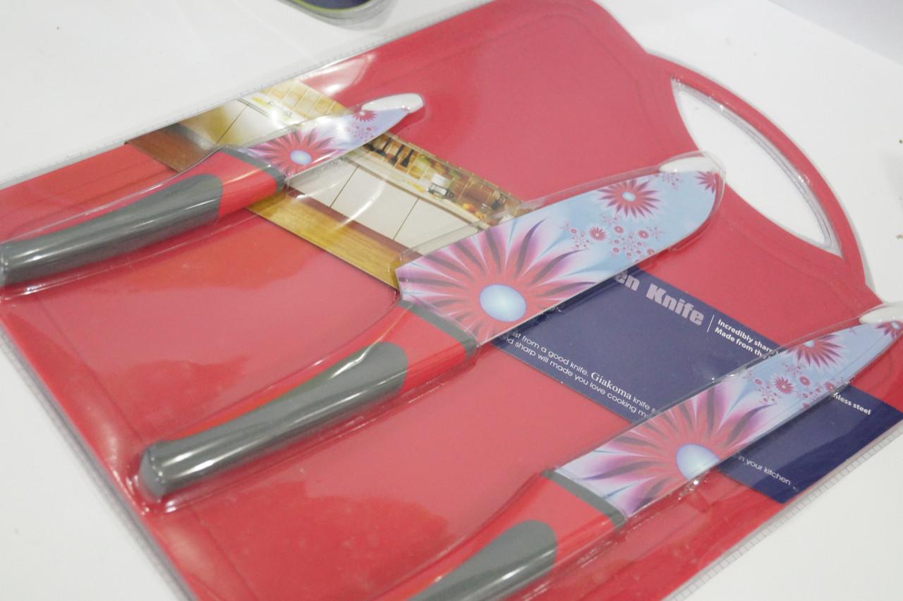 Набор  кухонных ножей c дощечкой для нарезки Giakoma G-8134