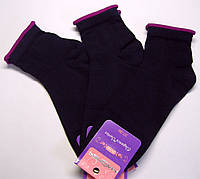 Носки женские с фиолетовым отворотом темно-синего цвета