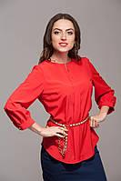 Полуприталенная блуза красная