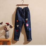 Стильные джинсы с вышивкой сердечки, фото 1