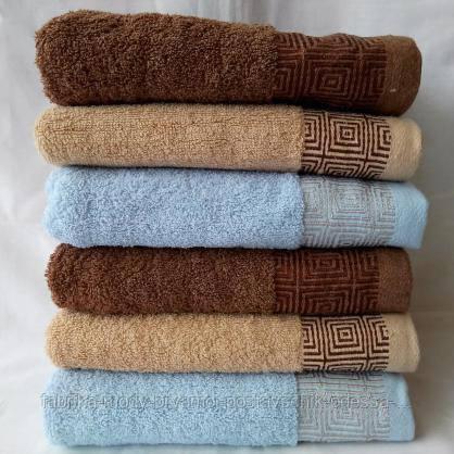 Махровые банные полотенца с отделкой квадратики