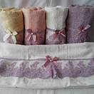 Махровые банные полотенца с кружевом и бантиком, фото 3