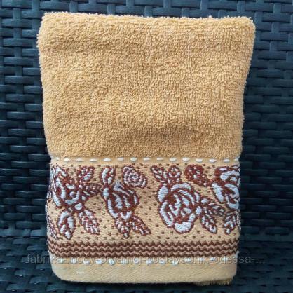 Яркие банные полотенца с цветочным принтом