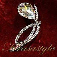 Брошь с большим алмазом