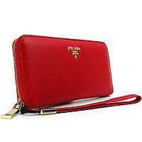 Кошелек женский Prada красный кожаный на молнии, фото 1