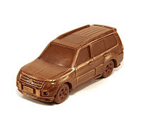 Шоколадный сувенир мужчине. Автомобиль Mitsubishi Pajero