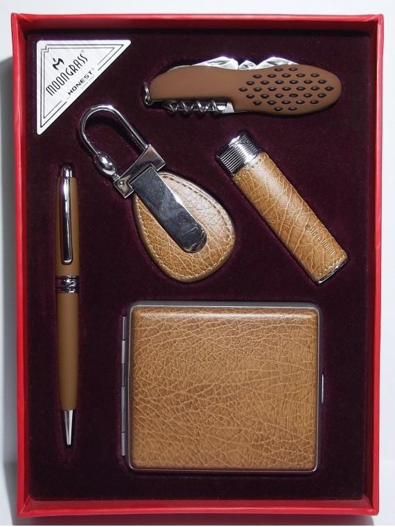 Подарочный набор: зажигалка + ручка + брелок + нож + портсигар.