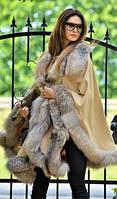 Женское пончо универсального размера с меховой отделкой