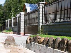 Візитна картка заміського будинку: вся правда про паркани