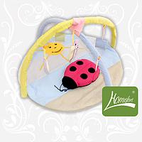 """Круглый симпатичный игровой коврик """"Божья коровка"""" с дугами и подвесными игрушками для малыша (140х90 см) ТМ Хомфорт"""